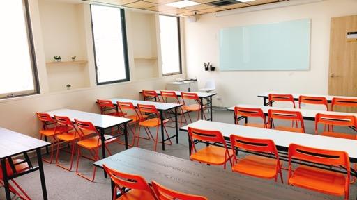 台中場地租借-台中文華教室-小教室-後方圖-台中文華高中教室租借、台中文華高中場地租借、、台中哪裡有空間、台中哪裡有便宜空間、台中哪裡有便宜教室、台中哪裡有便宜場地、台中哪裡有教室、台中哪裡有場地、台中教室租借、台中場地租借、台中空間租借、教室租借、場地租借、空間租借