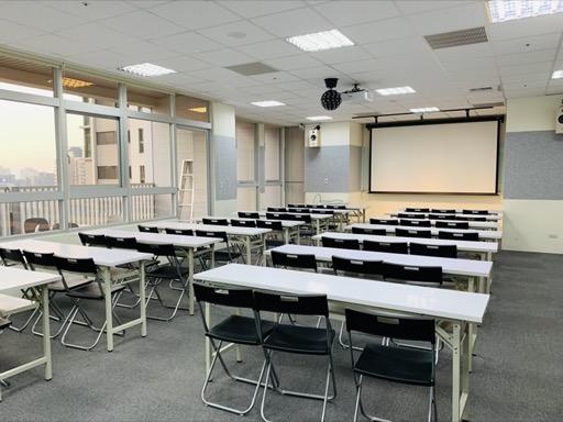 台中場地租借-臺中七期新光三越教室-教室型